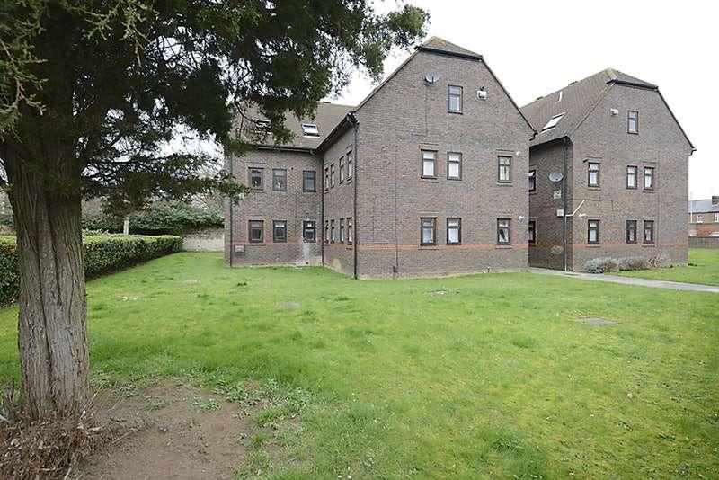 1 Bedroom Flat for sale in Brock Gardens, Reading, Berkshire, RG30