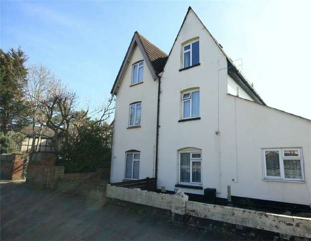 3 Bedrooms Maisonette Flat for sale in Ashford Road, Feltham, Middlesex
