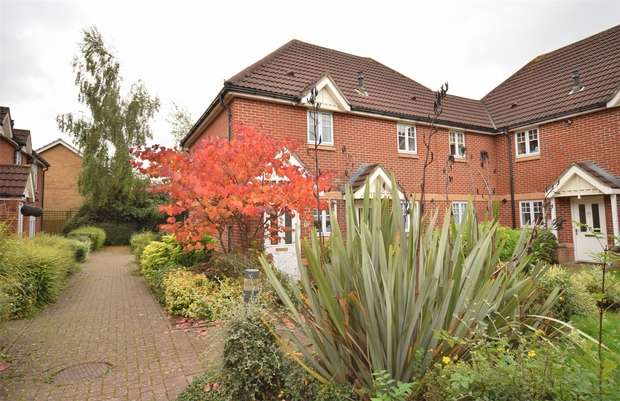 2 Bedrooms Flat for sale in Barretts Road, Dunton Green, SEVENOAKS, Kent