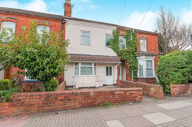 4 Bedrooms Terraced House for sale in Cromwell Road, Grimsby, DN31