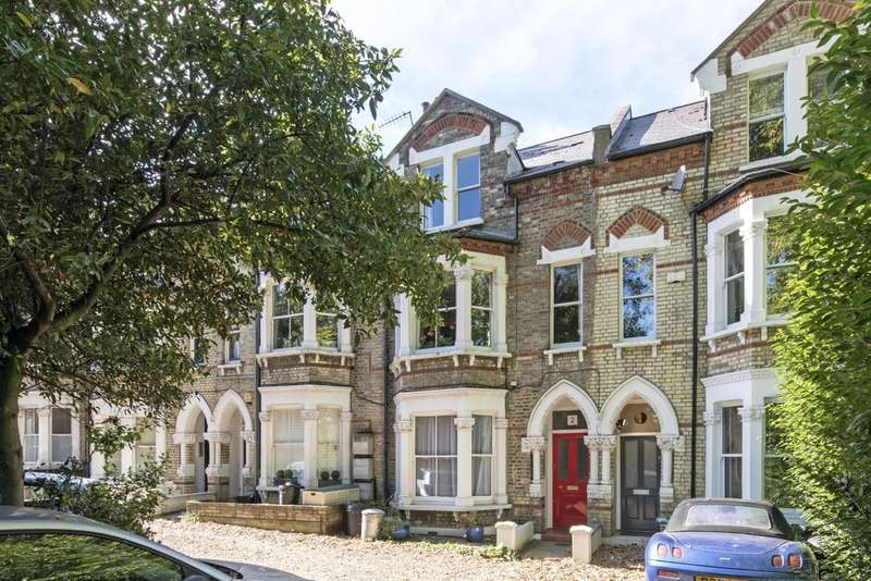 6 Bedrooms Terraced House for sale in Worcester Gardens, Battersea, London