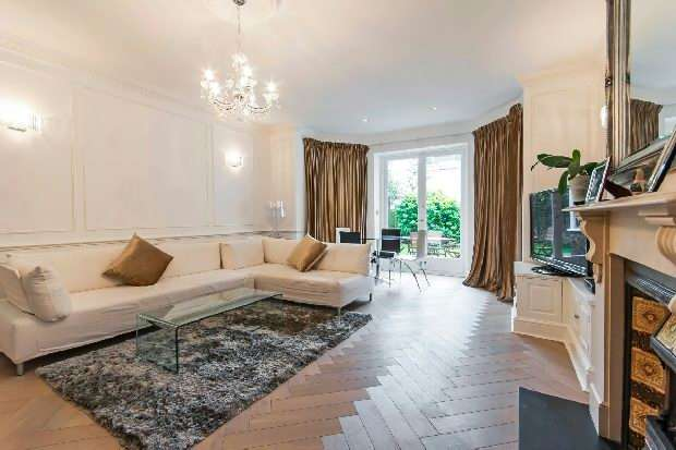3 Bedrooms Flat for sale in Belsize Square, Belsize Park, NW3