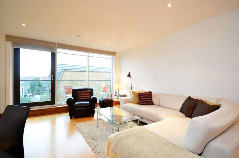 2 Bedrooms Flat for sale in Marlborough Road, Chiswick, W4