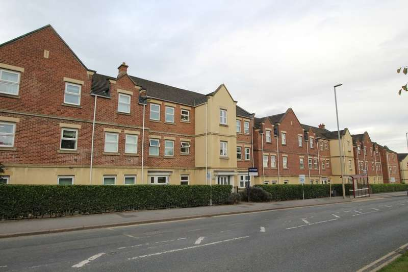 2 Bedrooms Flat for sale in Whitehall Road, Leeds, LS12