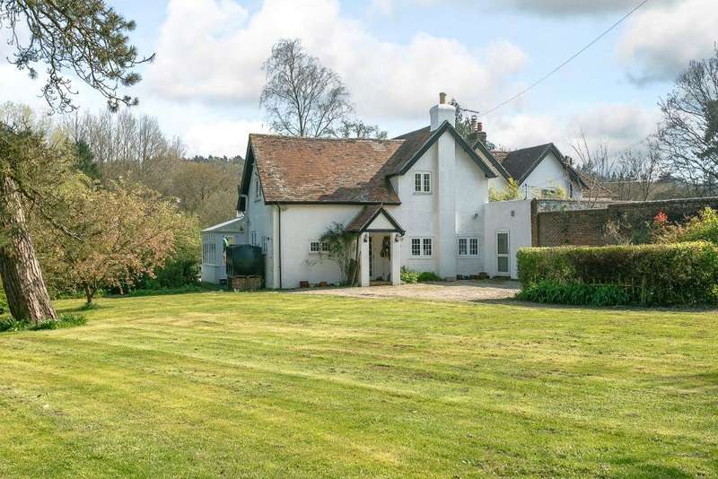 5 Bedrooms Property for sale in Waggoners, Steep Marsh, Hampshire GU33