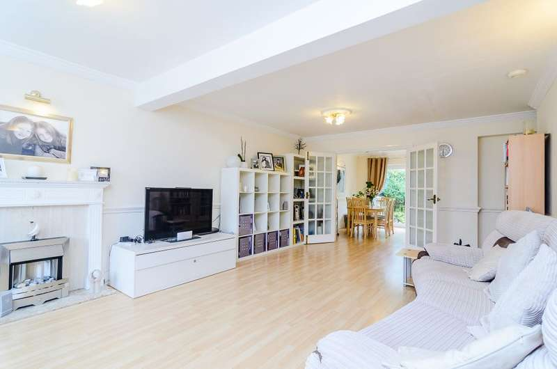 4 Bedrooms Semi Detached House for sale in Tempest Avenue, Potters Bar, Herts, EN6 5JU