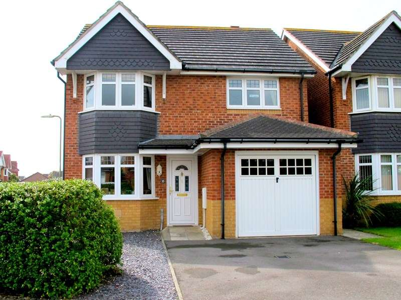 3 Bedrooms Detached House for sale in Beaufort Close, Lee-On-The-Solent