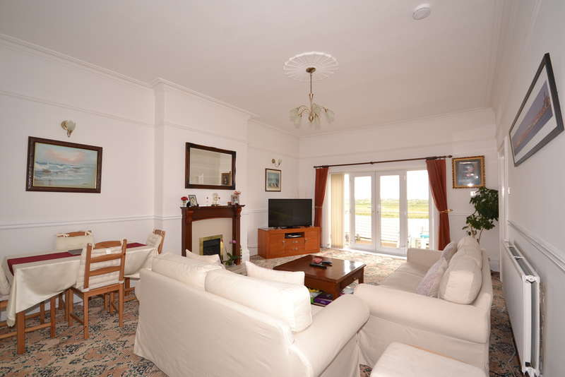 2 Bedrooms Flat for sale in Sandheys Terrace, Brighton-Le-Sands, Liverpool, L22