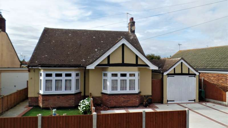 2 Bedrooms Detached Bungalow for sale in Princes Road, Holland on Sea