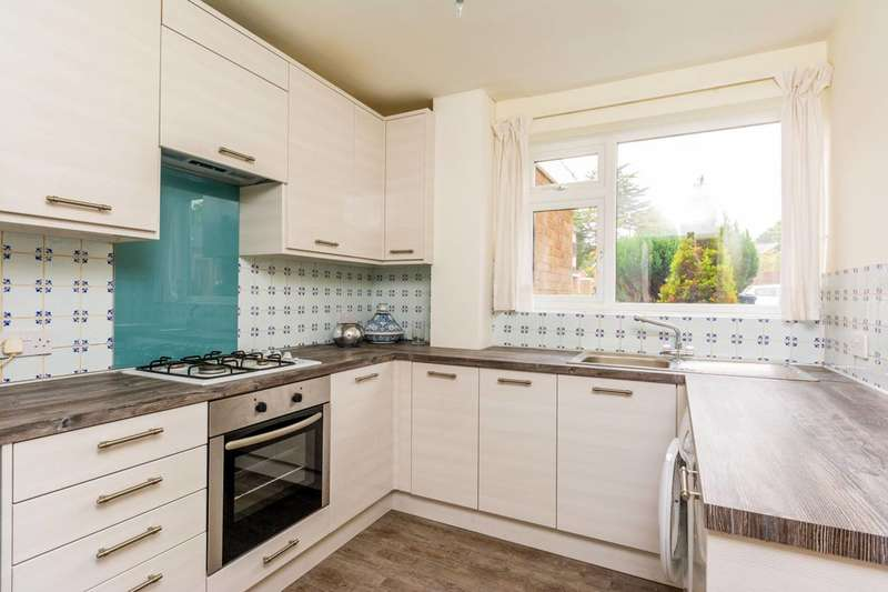 2 Bedrooms Flat for sale in Park Hill, Ealing, W5