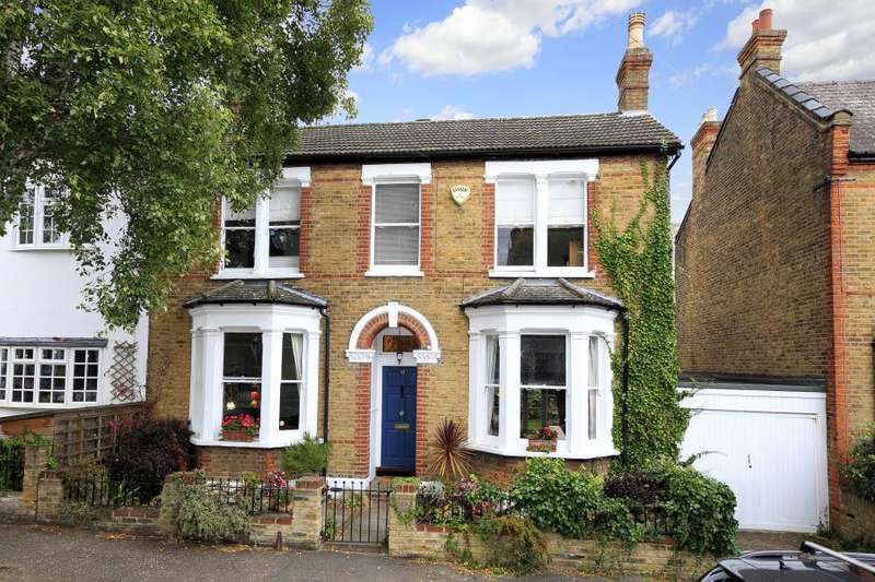 5 Bedrooms Detached House for sale in Windsor Road, Teddington, TW11