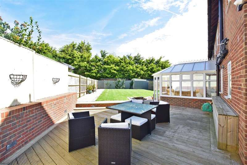 5 Bedrooms Semi Detached House for sale in Fairfield, Herstmonceux, Halisham, East Sussex