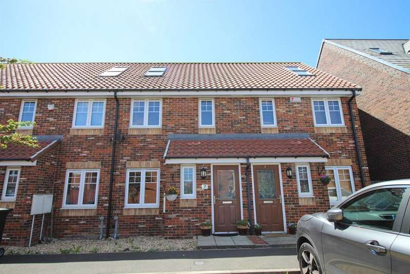 3 Bedrooms Town House for sale in Alnmouth Court, Newcastle Upon Tyne, NE5