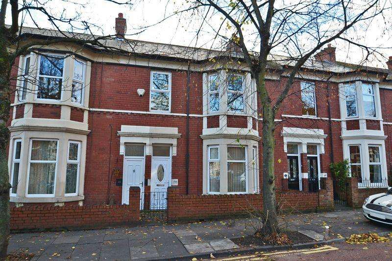 2 Bedrooms Apartment Flat for sale in Queen Alexandra Road, North Shields
