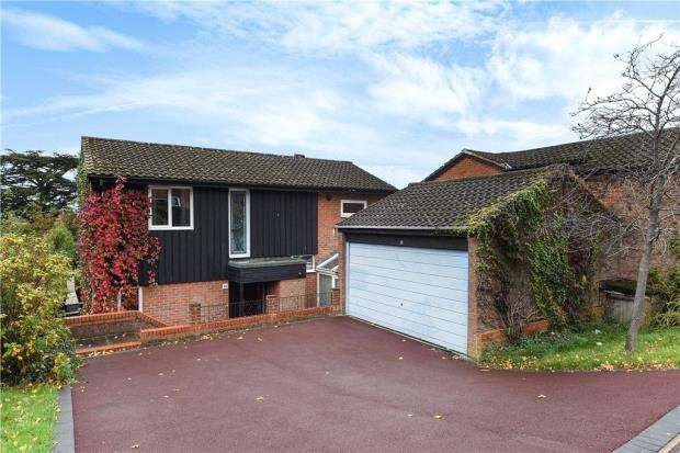 4 Bedrooms Detached House for sale in Greenham Wood, Bracknell, Berkshire