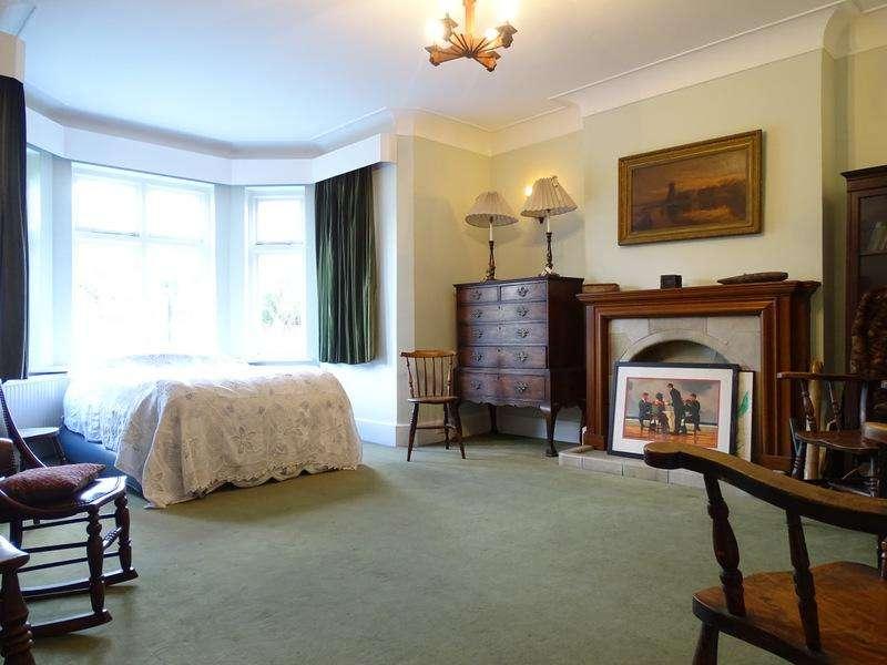 4 Bedrooms House for sale in Crosslands Avenue, Ealing