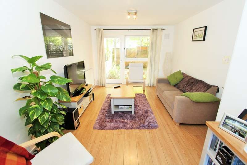 3 Bedrooms Flat for sale in East Hill, London, London, SW18