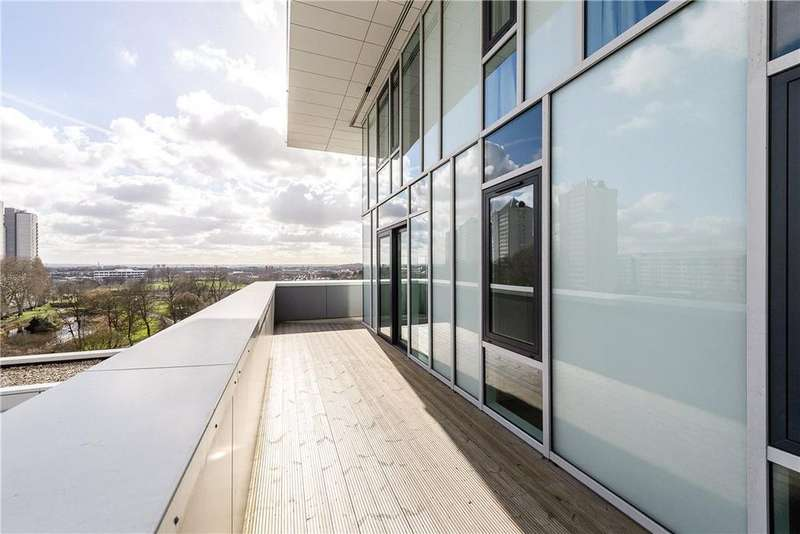 2 Bedrooms Flat for sale in Beacon Tower, 1 Spectrum Way, Wandsworth, London, SW18