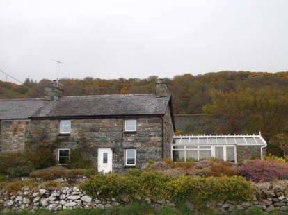 4 Bedrooms Semi Detached House for sale in Cae Gwyn, Llanfair, Harlech, Gwynedd, LL46