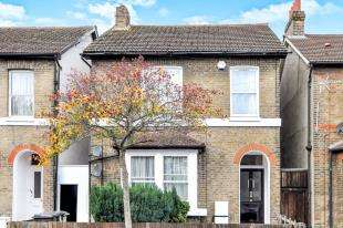 2 Bedrooms Flat for sale in Alexandra Road, Croydon