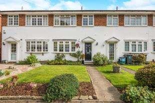 2 Bedrooms Terraced House for sale in Freshfields, Shirley, Croydon, Surrey