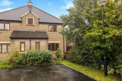 3 Bedrooms Semi Detached House for sale in Abbotts Close, Walton-Le-Dale, Preston, Lancashire