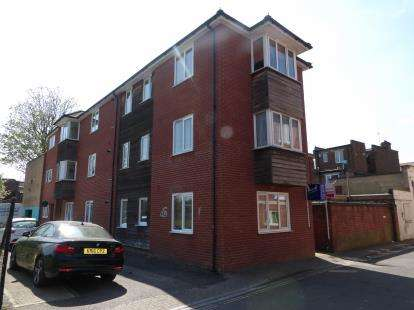 2 Bedrooms Flat for sale in Little George Street, Portsmouth, Hampshire