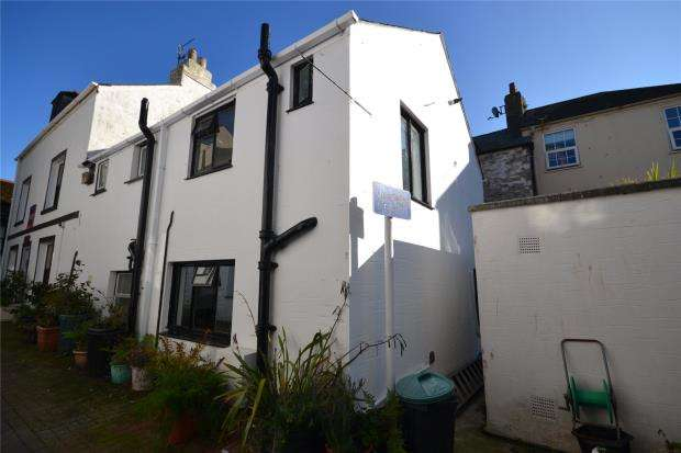 2 Bedrooms End Of Terrace House for sale in Lower Market Street, Looe, Cornwall