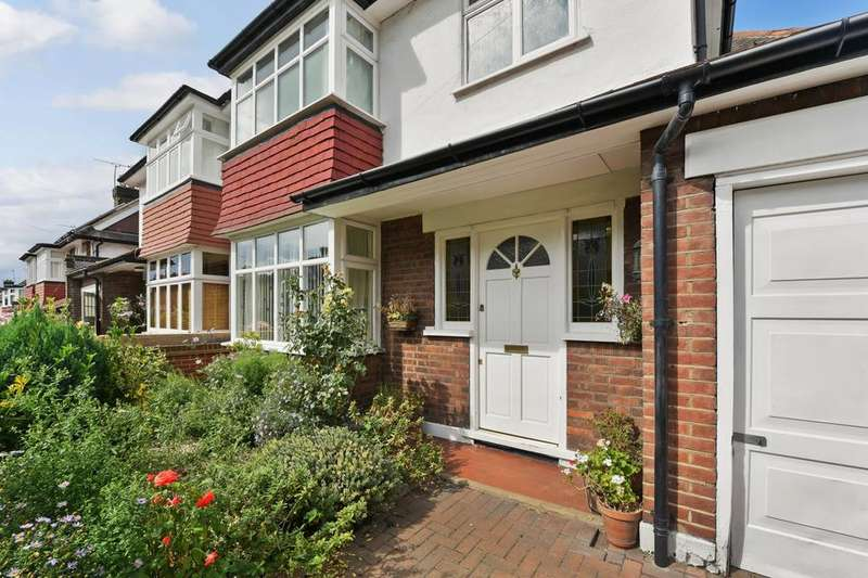 3 Bedrooms Semi Detached House for sale in Brantwood Road, London SE24