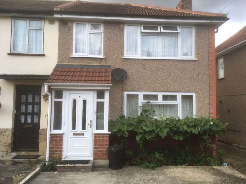 3 Bedrooms Semi Detached House for sale in Northwood Avenue, Hornchurch