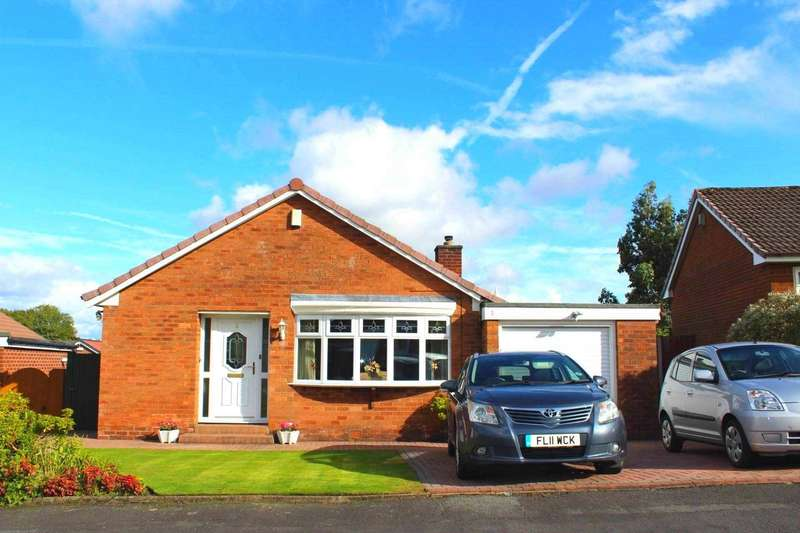 3 Bedrooms Detached Bungalow for sale in Laxford Grove, Bolton
