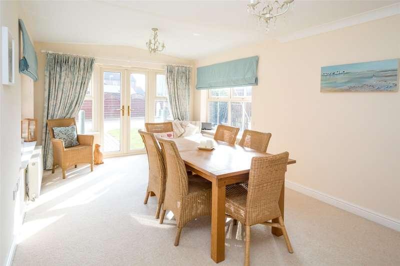 5 Bedrooms Detached House for sale in Bridge Farm, Pollington, DN14