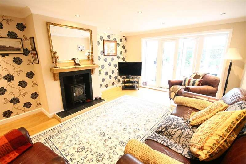 2 Bedrooms Detached Bungalow for sale in Oak Avenue, Marton-In-Cleveland, Middlesbrough