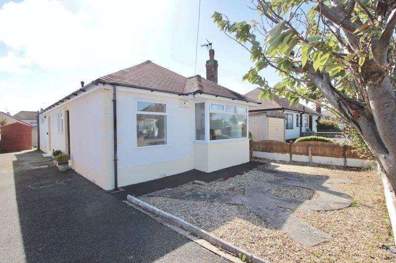 3 Bedrooms Detached Bungalow for sale in Berwyn Crescent, Prestatyn