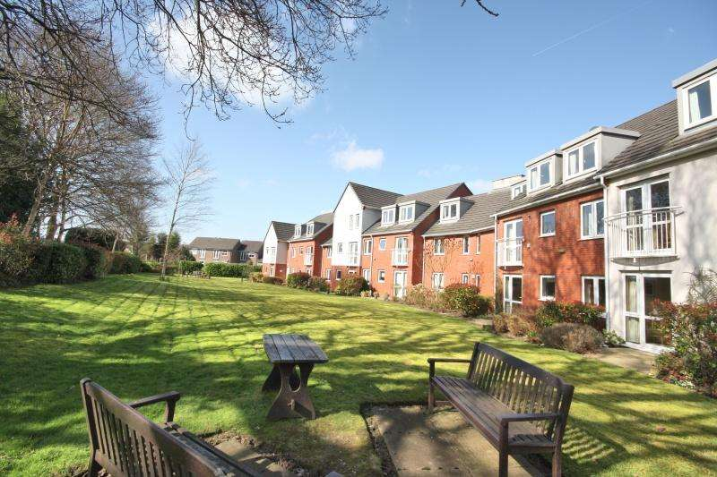 1 Bedroom Flat for sale in Holland Court, Willow Close, Poynton, SK12