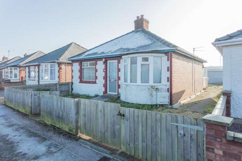 2 Bedrooms Bungalow for sale in Beatrice Road, Wisbech, Cambridgeshire, PE13