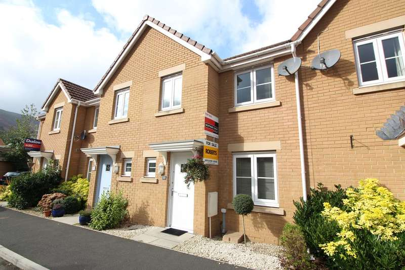 3 Bedrooms Terraced House for sale in Company Farm Drive, Llanfoist, Abergavenny, NP7