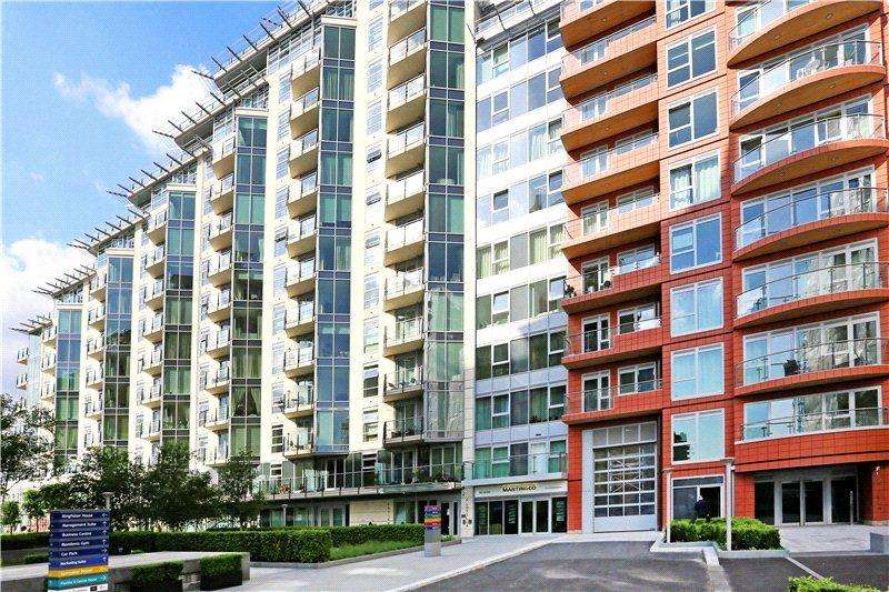 2 Bedrooms Flat for sale in Flotilla House, Battersea Reach, London