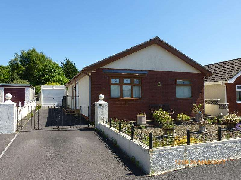 3 Bedrooms Bungalow for sale in Margaret Street, Ammanford, Carmarthenshire.
