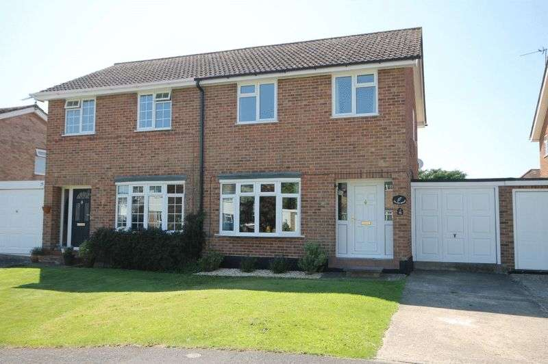 3 Bedrooms Property for sale in Willow Way, Begbroke