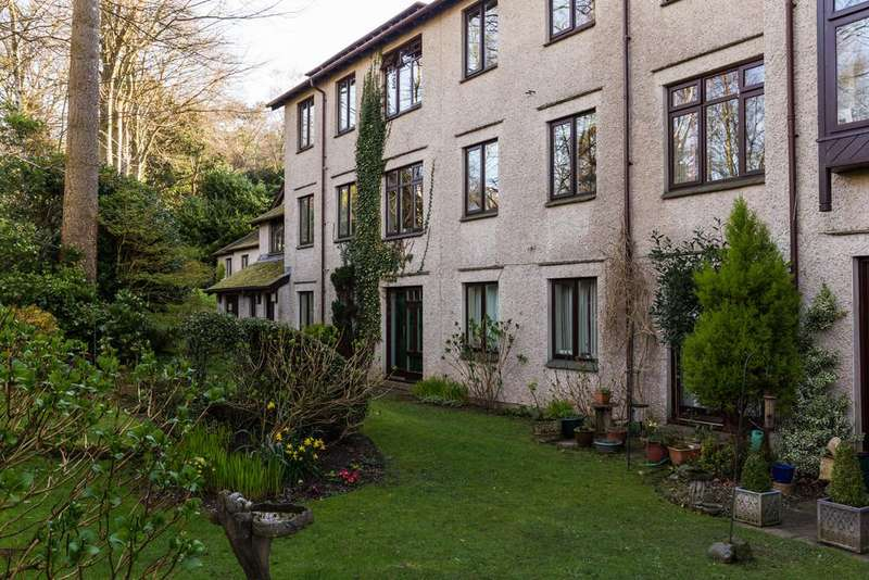 2 Bedrooms Flat for sale in 113 Elleray Gardens, Windermere, Cumbria, LA23 1JE