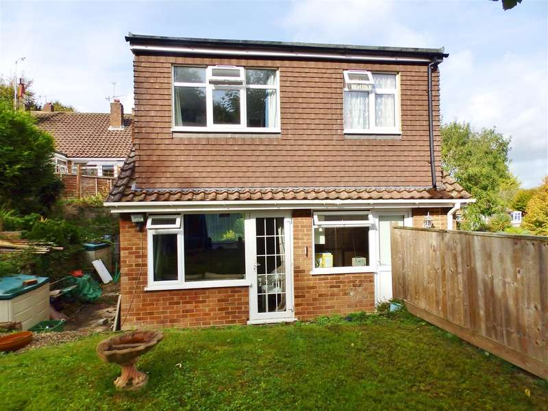 3 Bedrooms Detached House for sale in Westfield Road, Eastbourne