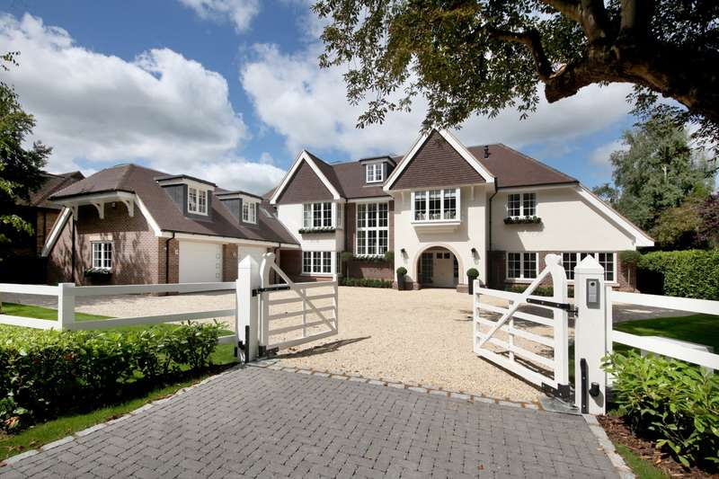 7 Bedrooms Detached House for sale in Camp Road, Gerrards Cross, SL9