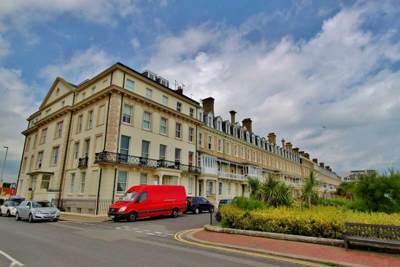 2 Bedrooms Apartment Flat for sale in Heene Terrace, Worthing, BN11