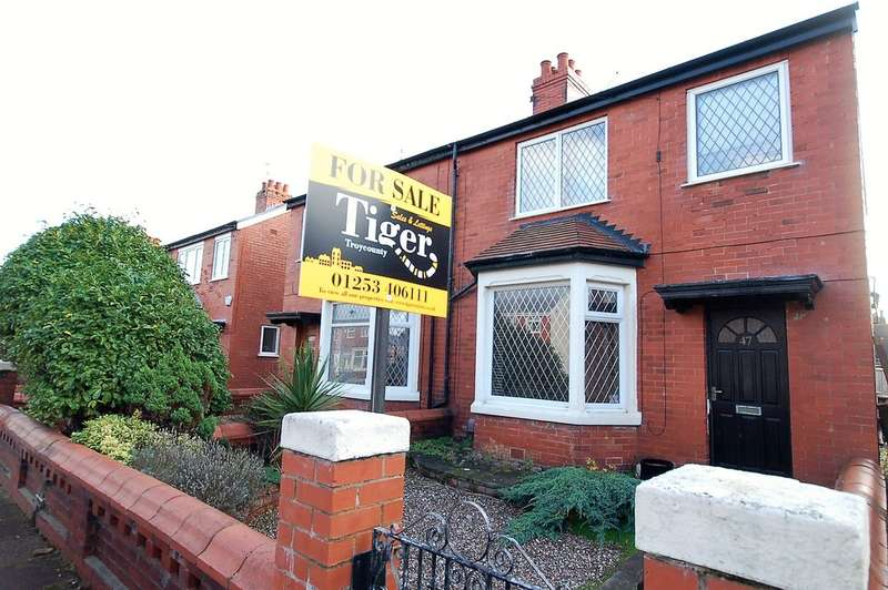 4 Bedrooms Semi Detached House for sale in Sawley Avenue, Blackpool