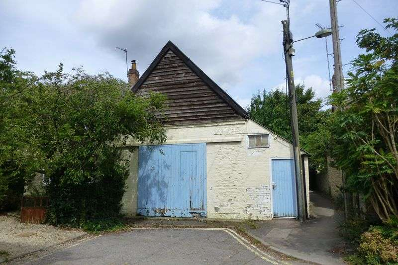 2 Bedrooms Property for sale in Bell Lane Crumps Butts, Bicester