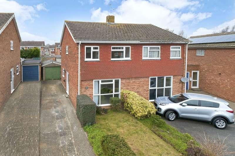 3 Bedrooms Semi Detached House for sale in Pembroke Road, Coxheath, ME17