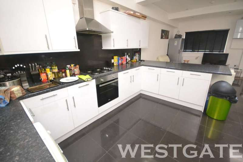 7 Bedrooms Terraced House for rent in London Road, Reading