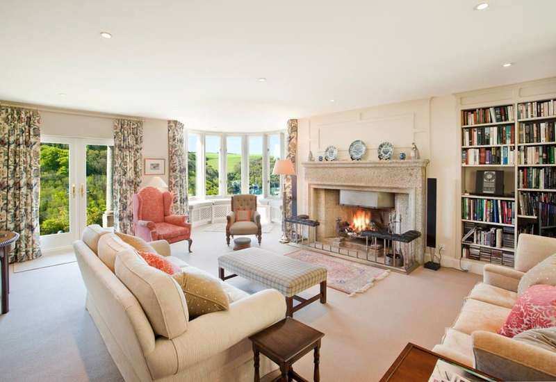 5 Bedrooms Detached House for sale in Lower Court Road, NEWTON FERRERS, South Devon