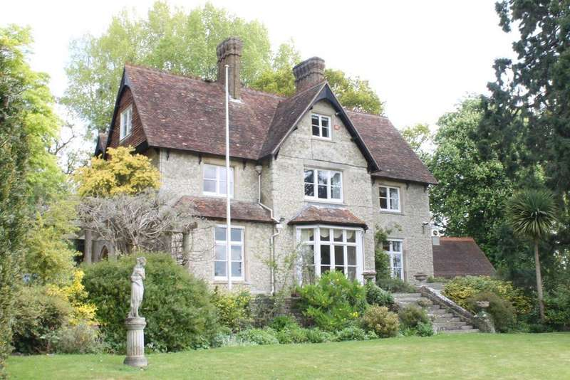 7 Bedrooms Detached House for sale in Church Hill, Boughton Monchelsea, Maidstone